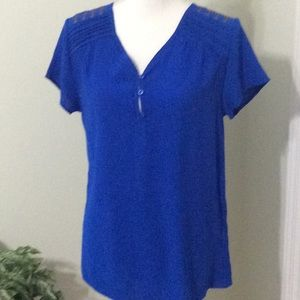 🦋Beautiful royal blue high/low blouse s/s V-neck